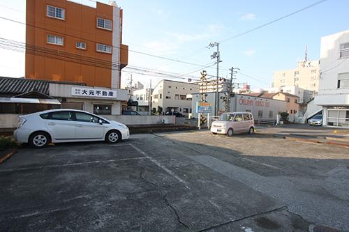 篠﨑様駐車場(市役所前)