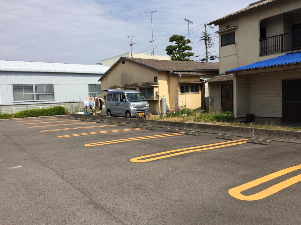 新井様 駐車場 ※R2年7月空き予定